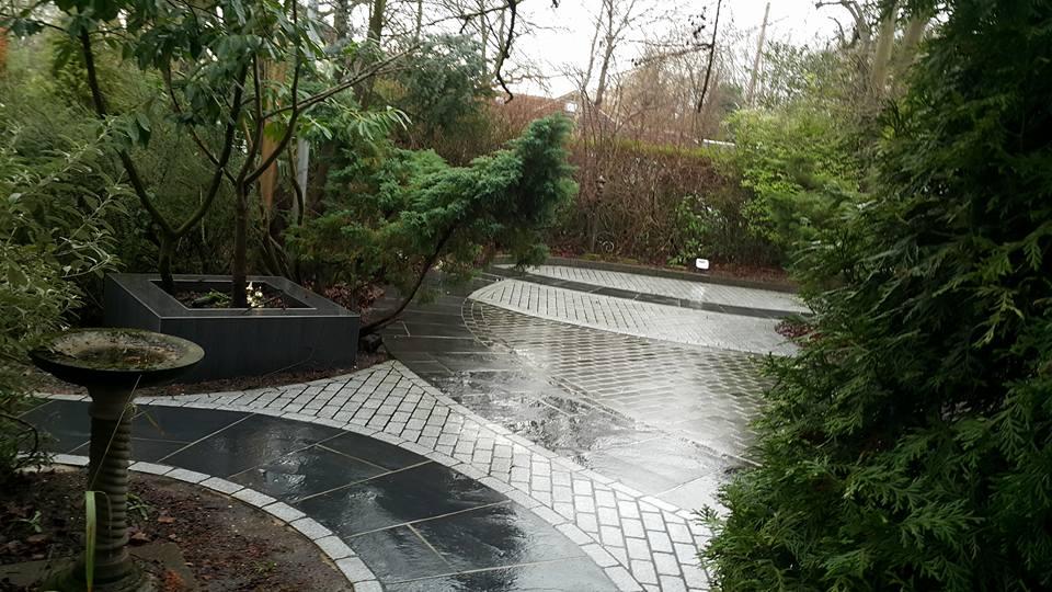 Kota Black & Medium Granite Cobbles