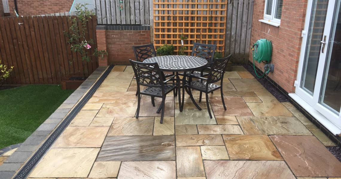 Patio Paving With Garden Furniture