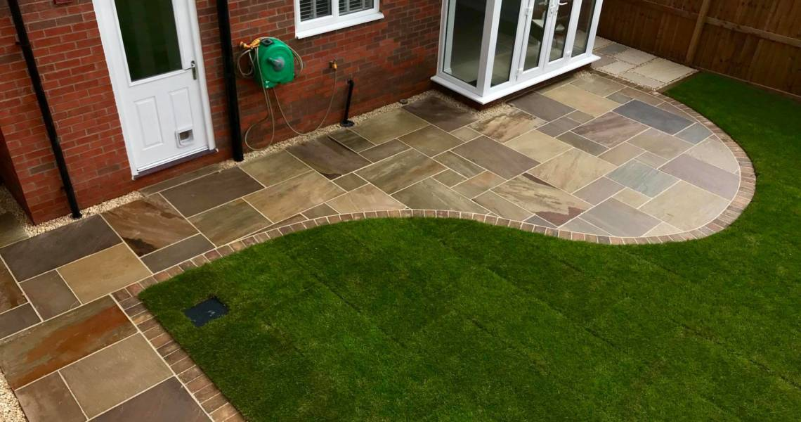 Paving in Garden With Decorative Edge