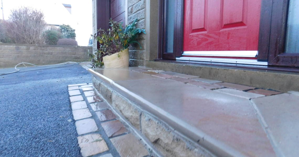 Raj Green Sandstone Bullnosed Step