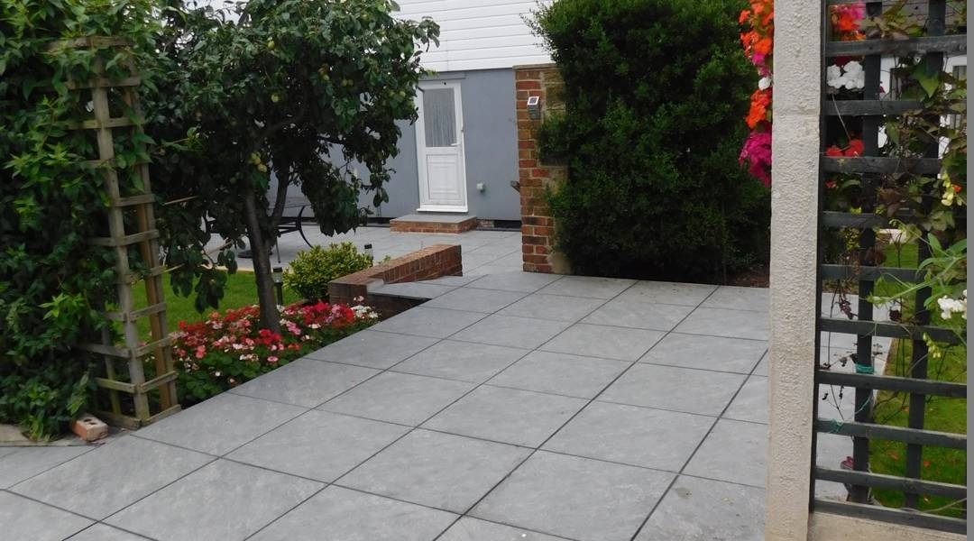 Aged Quartz Grey In Garden
